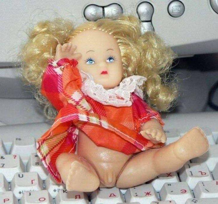 muñeca con pene