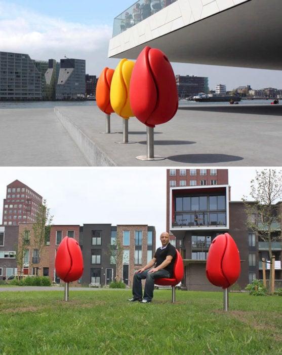 asientos en forma de tulipán
