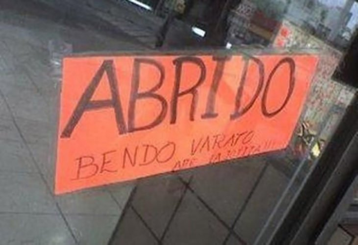cartel escrito con faltas de ortografía