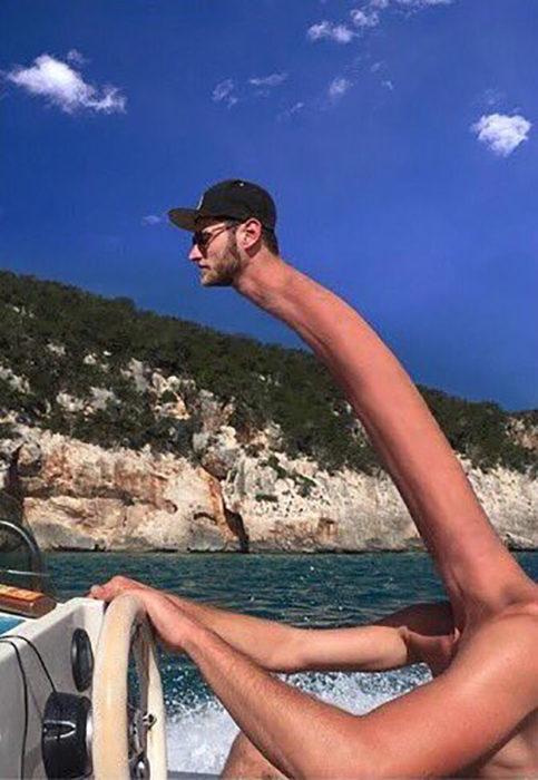 hombre con cuello muy alto