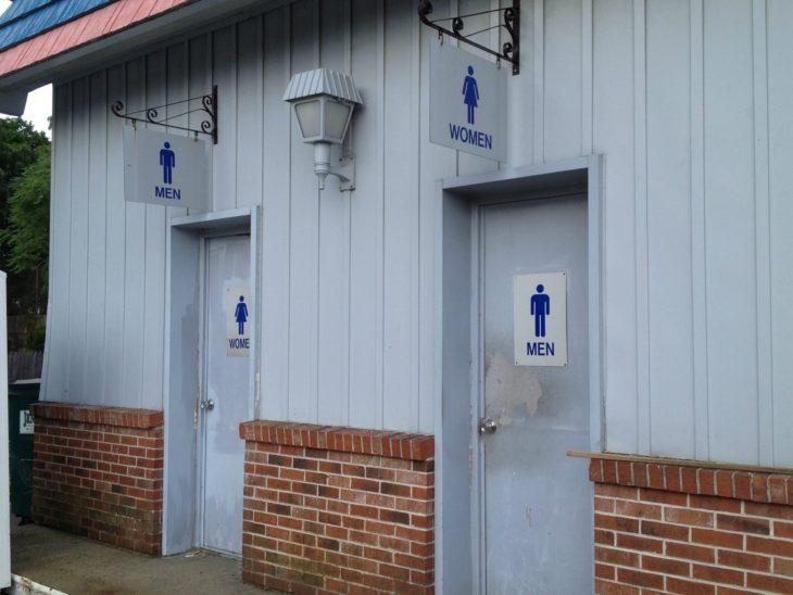 letreros de baños dobles