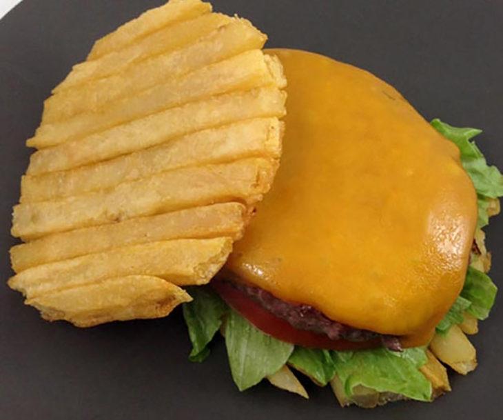 hamburguesa de papas fritas