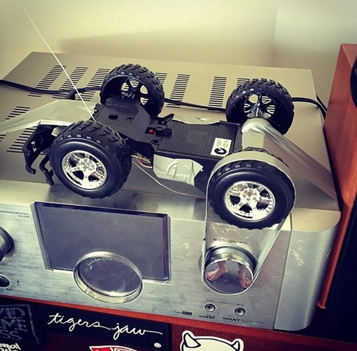 carro de control pegado a un aparato
