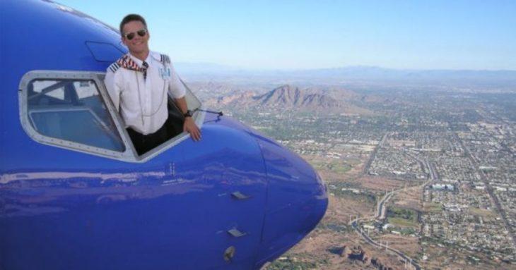 imagen editada de avión volando