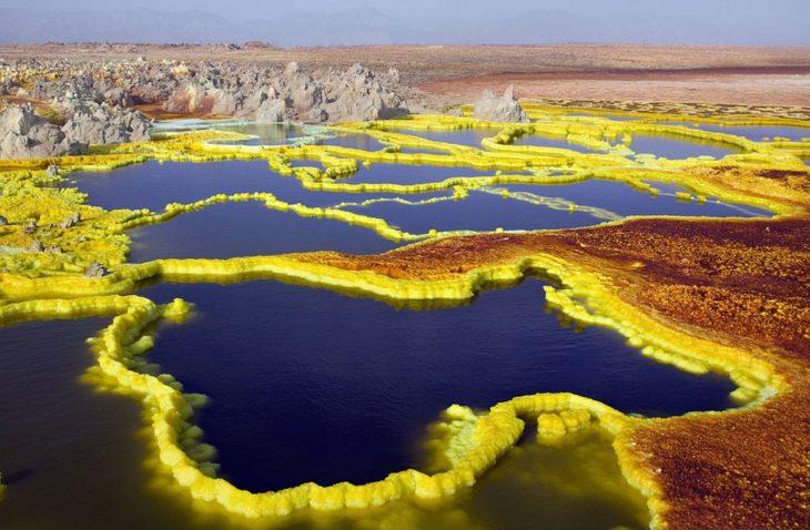 cráter amarillo