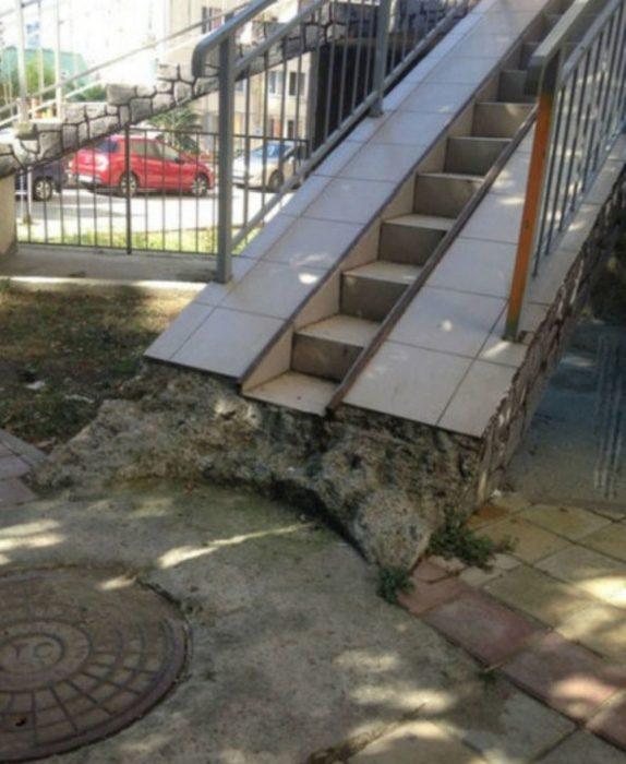 escalera de azulejos