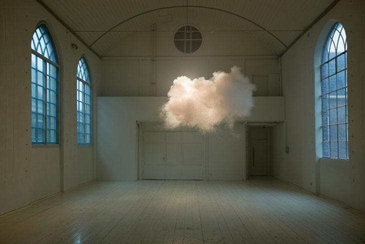 nubes dentro de la habitación