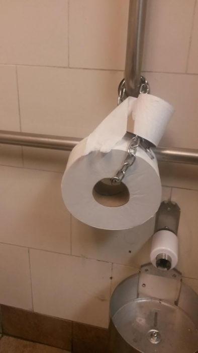papel de baño asegurado