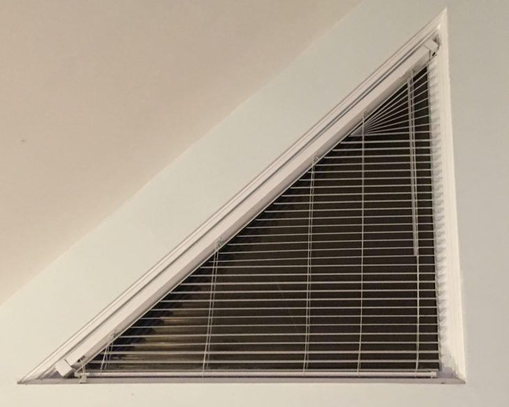 ventana triangular