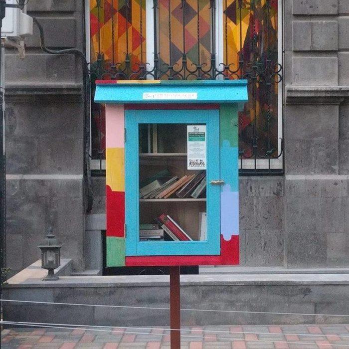 pequeña biblioteca libre