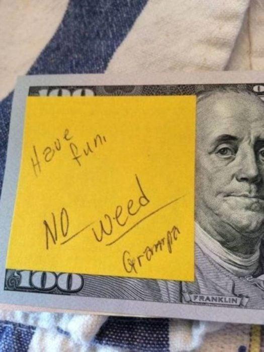 dinero con nota