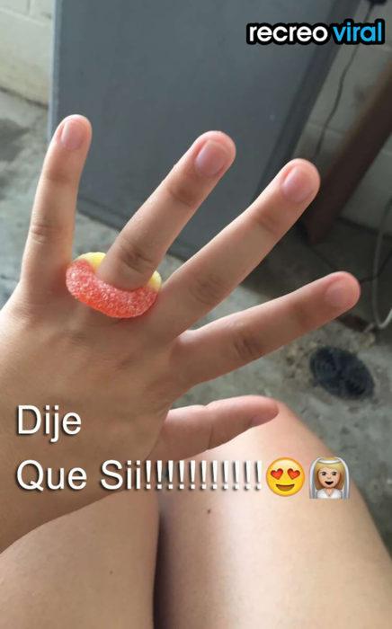 anillo de gomita