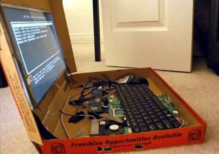 computadora hecha con una caja