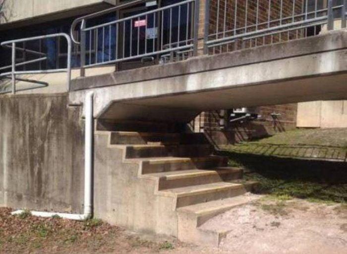 escalera mal hecha
