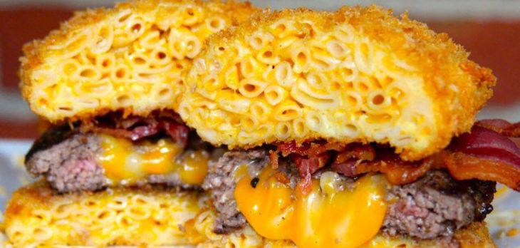 hamburguesa de macarrones con queso