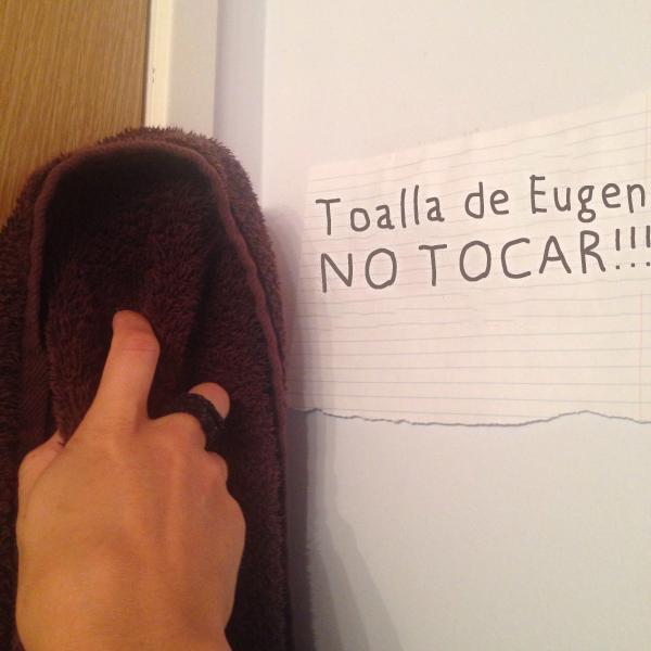 No les interesan las reglas - no tocar la toalla