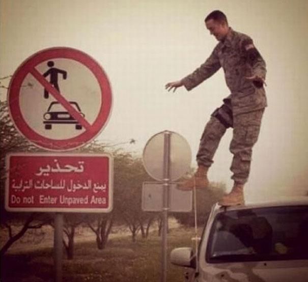 No les interesan las reglas - Soldado rompiendo las reglas