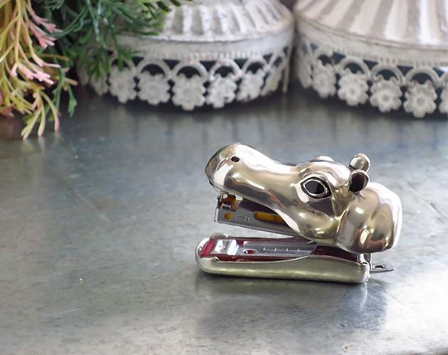 Grapadora de hipopótamo