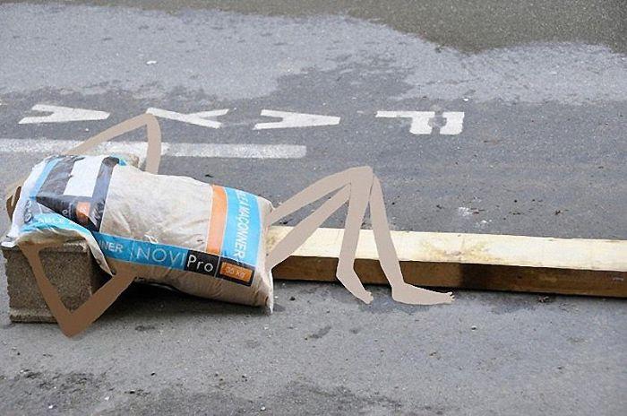 Arte en las calles de París - bolsa de cemento agotada