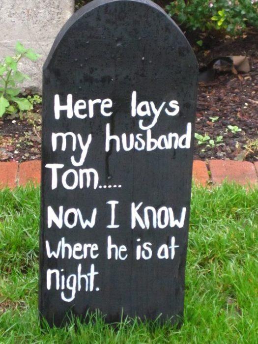 Tumbas graciosas - aqui yace mi esposo