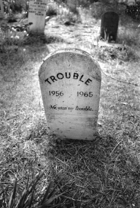 Tumbas graciosas - Trouble