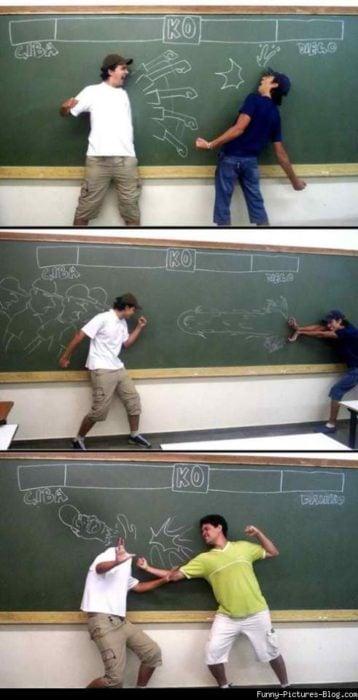 Batalla de alumnos pizarron
