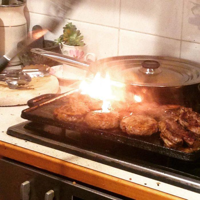 Fails en la cocina - carne quemada