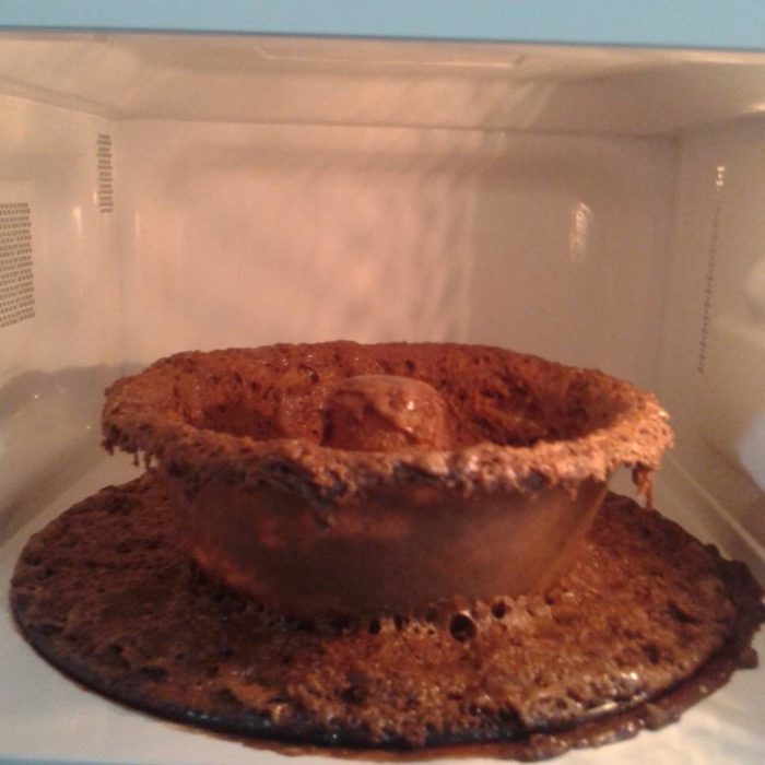 Fails en la cocina - horno de micoondas asqueroso