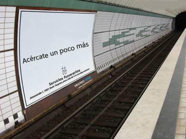 Publicidad en el metro de una funeraria