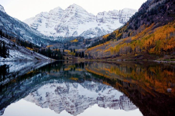 Fotos impresionantes y hermosas. Paisaje de montañas otoño e invierno
