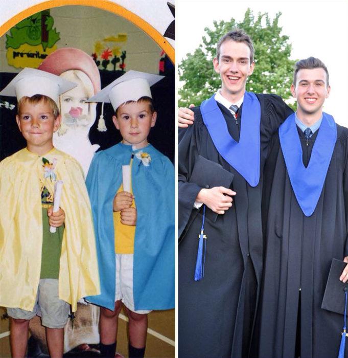 Dos niños graduados de kínder, después los dos graduados de la prepa