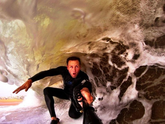 selfie bajo las olas