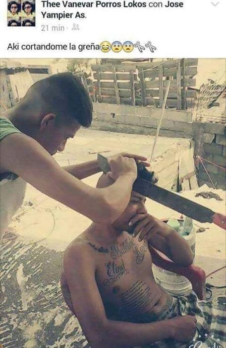 cortar el pelo con machete