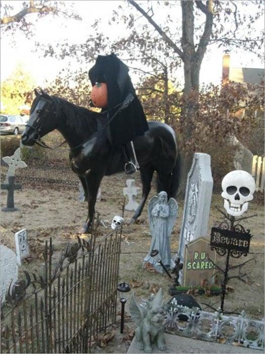 decoración de exterior halloween el jinete sin cabeza
