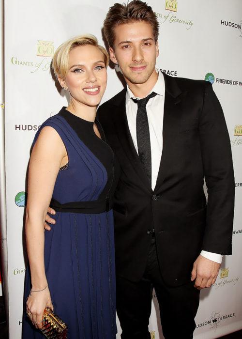 Scarlett Johansson y su hermano gemelo Hunter