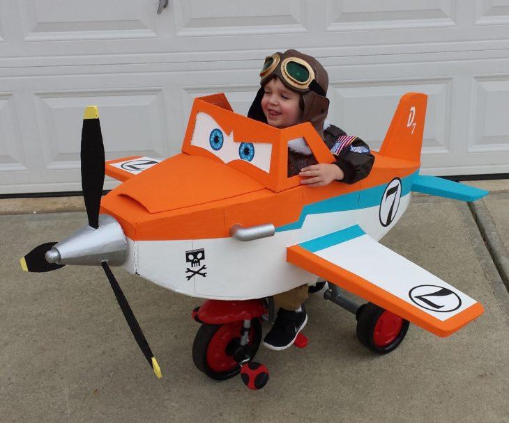 niño en silla de ruedas disfrazado de darth vader