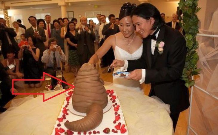 pastel de boda que parece popó