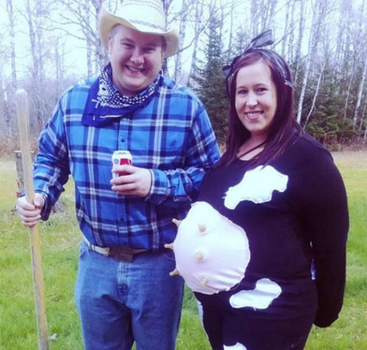 embarazada disfrazada de vaca lechera