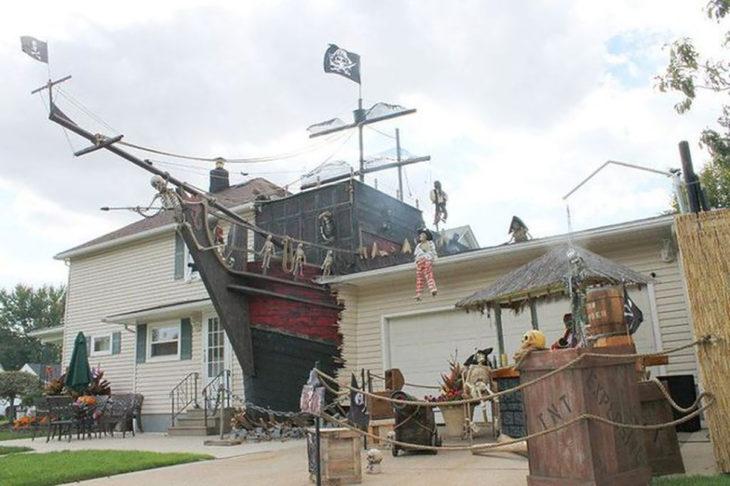 decoración de exterior halloween barco pirata