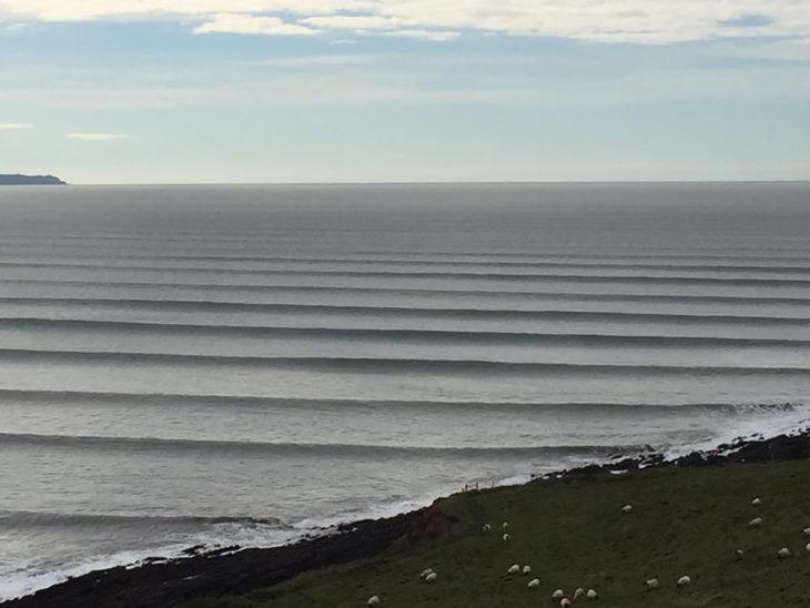 olas de mar simétricas