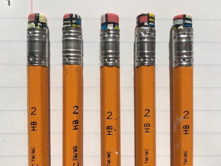 borradores de lápices pintados geométricamente