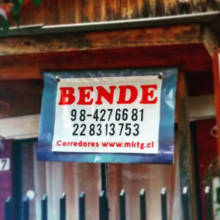 letrero de se vende mal escrito