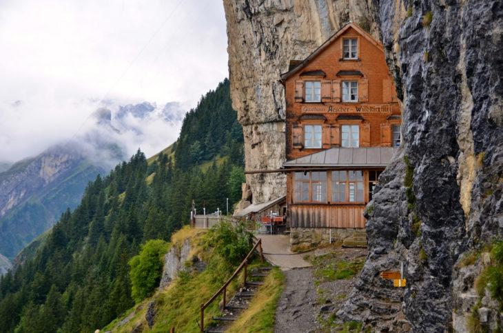 Restaurante vista hermosa en Suiza