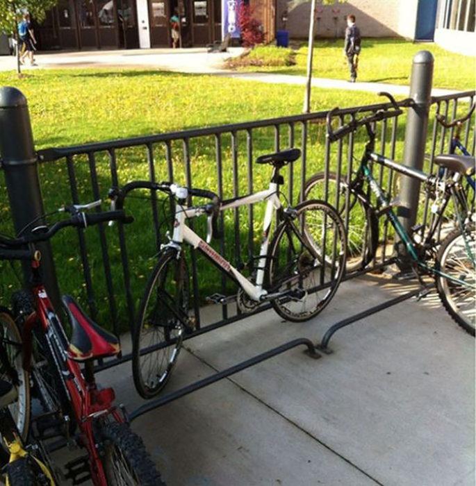 bicicleta ocupa varios lugares