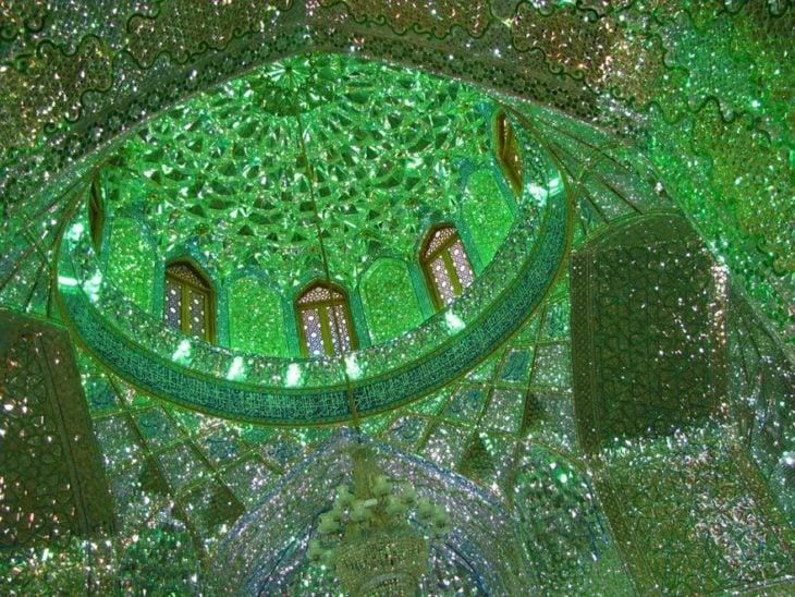 interior de domo de mezquita