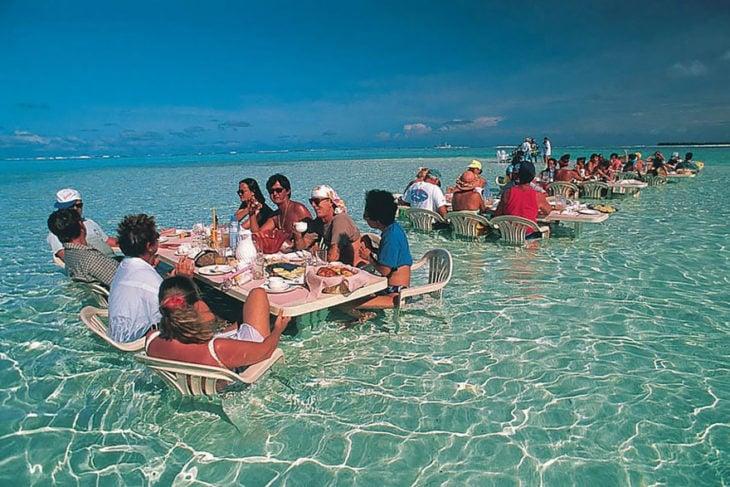 Restaurante dentro del mar