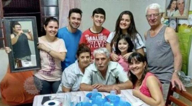 familia con fotógrafo en la foto