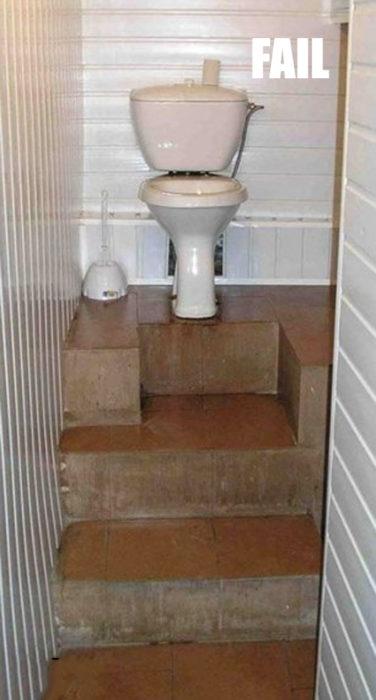 baño arriba de las escaleras