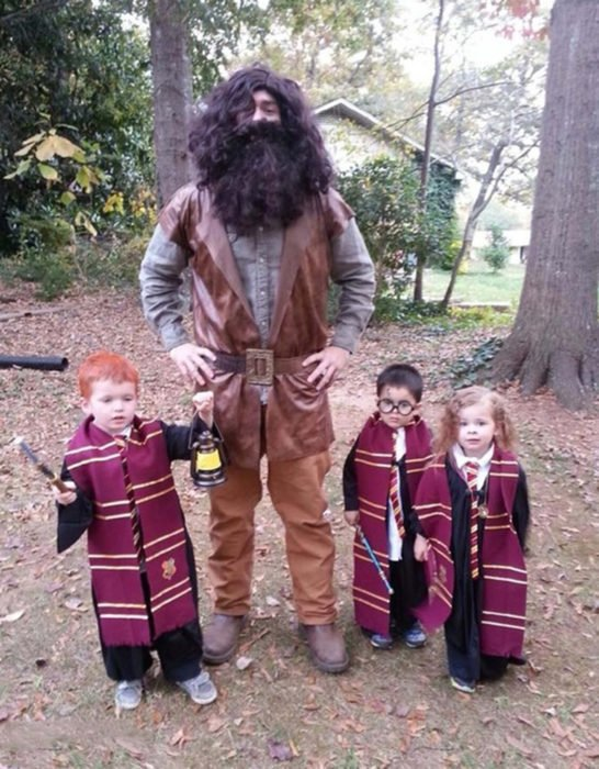 disfraz familiar de Ron, Hagrid, Harry Potter y Hermione
