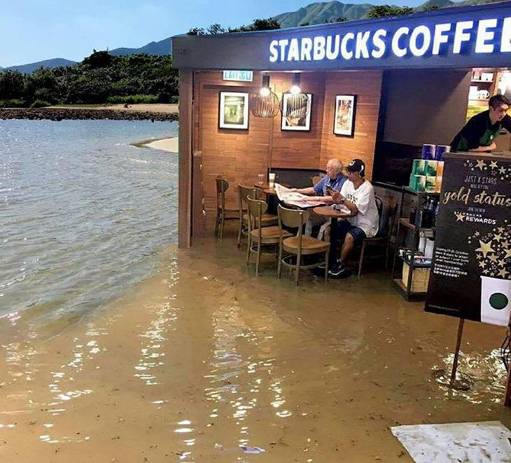 señor en starbucks inundado editado con otro chico en la playa